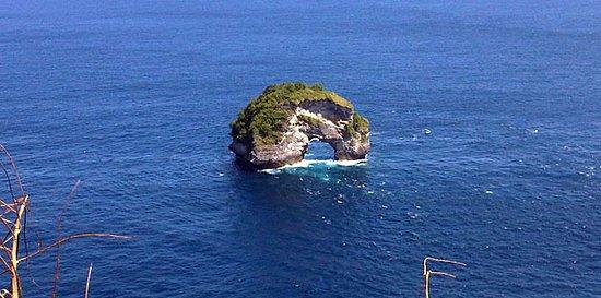 bannah cliff nusa penida