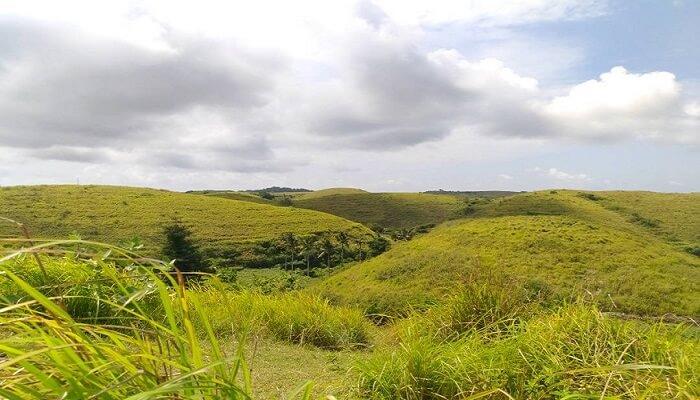 Bukit Teletubbies Nusa Penida Cocok untuk Lokasi Prewedding