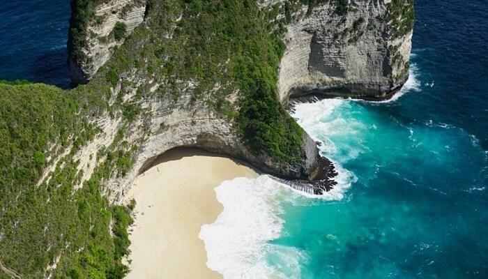 Pantai Kelingking Nusa Penida – Pantai yang unik dan tebing terjal