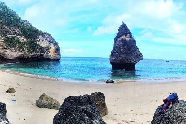 Pantai Suwehan Nusa Penida