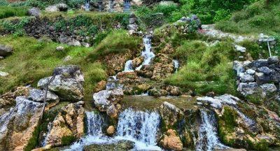 Air Terjun Seganing Nusa Penida yang Cantik di Pinggir Laut